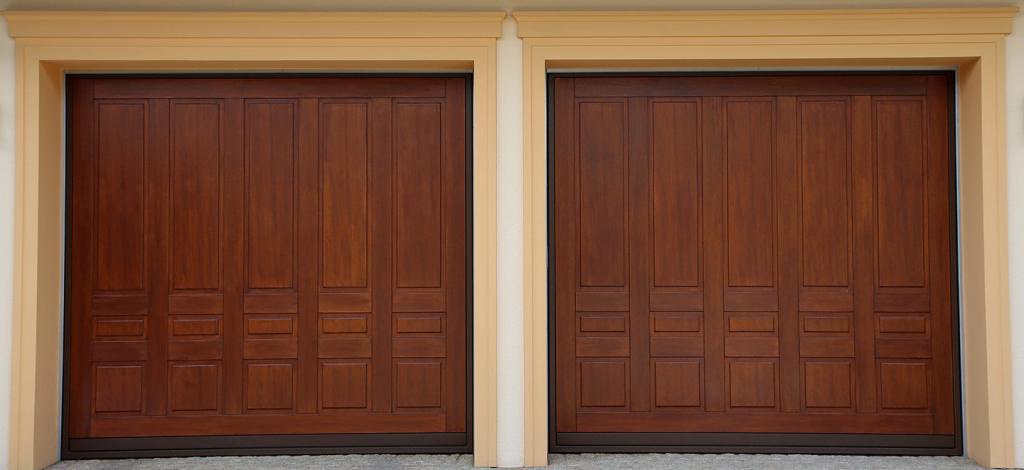 porte basculanti in legno e acciaio - Ferrari Porte